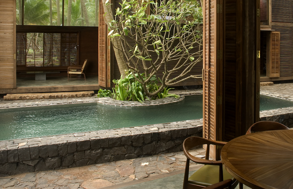 palmyra-house-by-sma_dining-view-to-courtyard