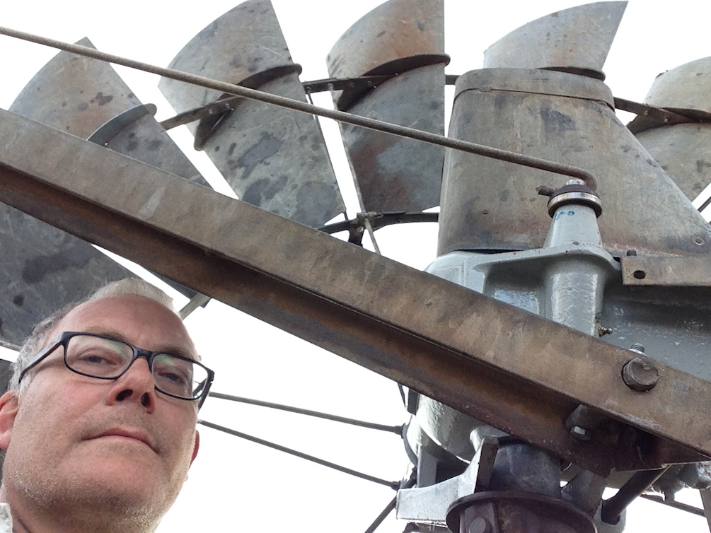 44084961_windmill